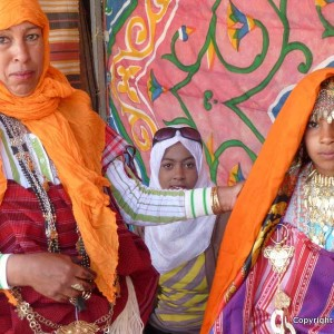 Tunisian-mother-and-girls-copy