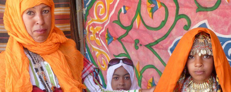 Tunisian mother & girls copy
